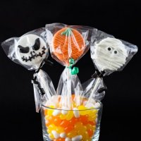 Halloween Party Favour Guide - Halloween Chocolate Covered Oreo Pop